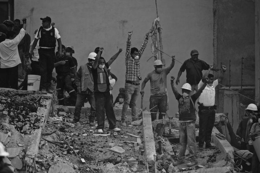Resistir la rumorología de las redes sociales tras el sismo