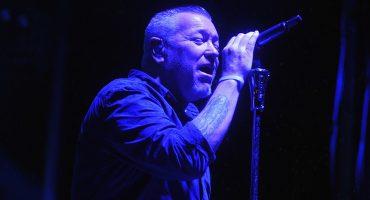 Vocalista de Smash Mouth es hospitalizado por problemas cardiacos