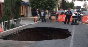 Pero si ya no llovió: reportan nuevo socavón, ahora en la Gustavo A. Madero
