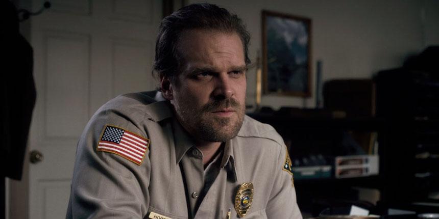 Oficial Jim Hopper - Personaje de Stranger Things