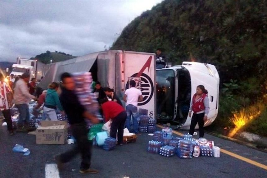 Roban víveres para damnificados del sismo