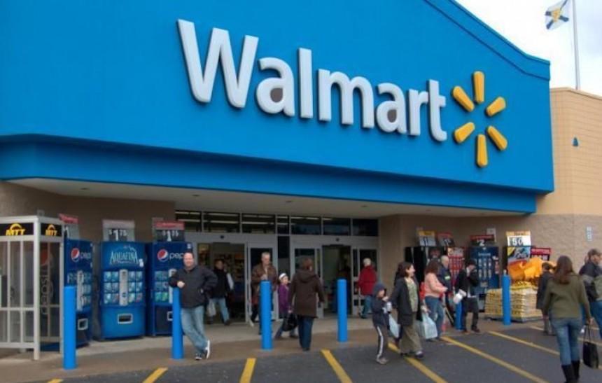Farderos y Guardias pelean en Walmart Azcapo