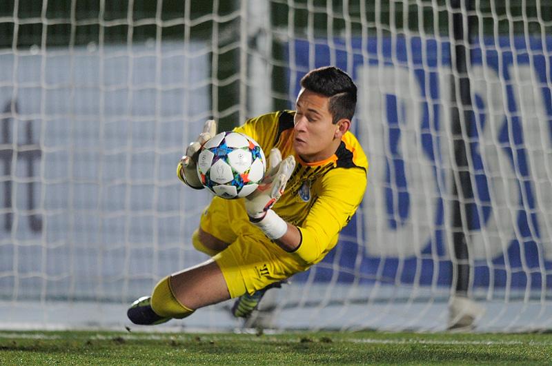 Raúl Gudiño Champions