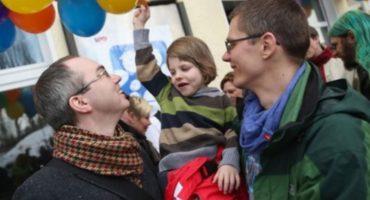 En Alemania se concede primera adopción a pareja gay