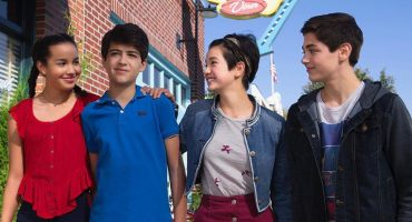 Disney Channel podría presentar su primer personaje gay en una serie infantil