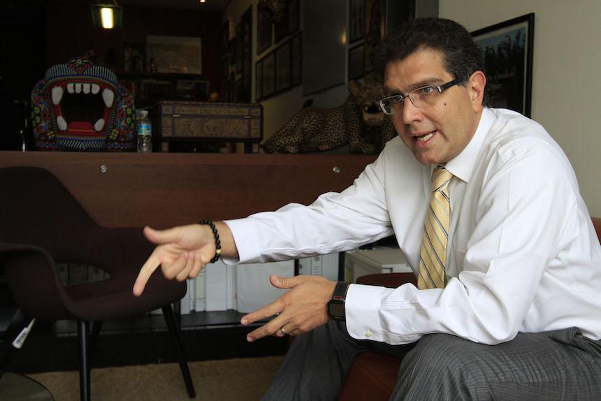Armando Ríos Piter busca ser candidato independiente a la Presidencia de México