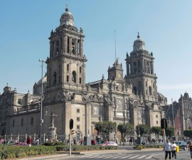 Catedral Metropolitana , Ciudad de México, Zócalo