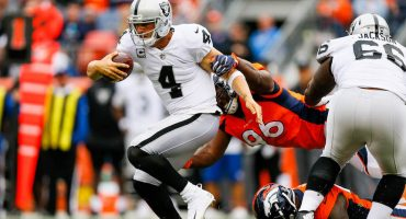 ¿Se acabó la temporada para los Raiders tras la fractura de Derek Carr?