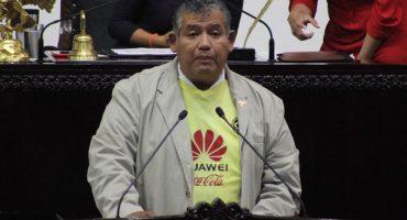 Ódiame más: diputado panista luce playera del América en el Congreso