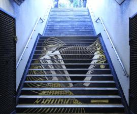 escaleras del metro invervenidas