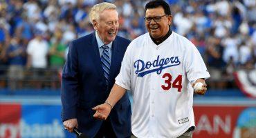 Galería: Fernando Valenzuela lanzó la primera bola en el juego de los Dodgers