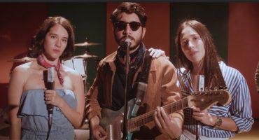 """Little Jesus presume su francés con el nostálgico video de """"TQM"""" con Ximena Sariñana"""