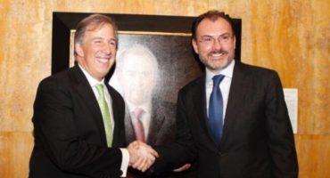 Se aplauden entre ellos: retratos de Meade y Videgaray acumulan gasto de casi 1 millón de pesos