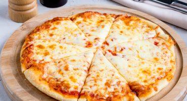 ¡Little Caesars patenta un robot para hacer pizzas más rápido! 🍕