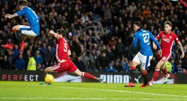 Checa el gol del Gullit Peña con el Glasgow Rangers en la Liga Escocesa