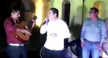 ¡PLOP! Alcalde de Acapulco canta