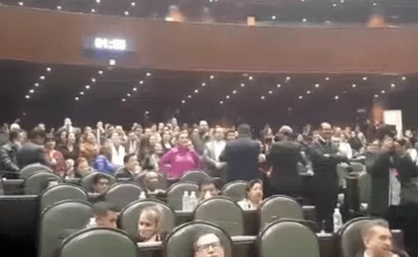 """Diputadas del PRI gritan """"ehh... puto"""" en San Lázaro"""