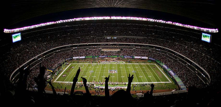El Estadio Azteca y su recorrido nocturno que te deja los pelos de punta