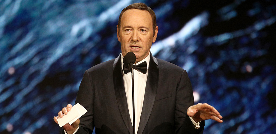 A Kevin Spacey le caen 8 acusaciones de acoso sexual del staff de 'House of Cards'