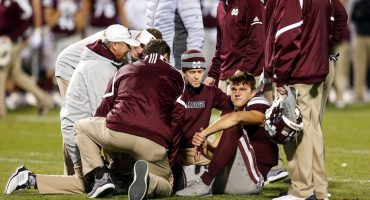 ¡Ouch! La terrible lesión del quarterback de Mississippi State