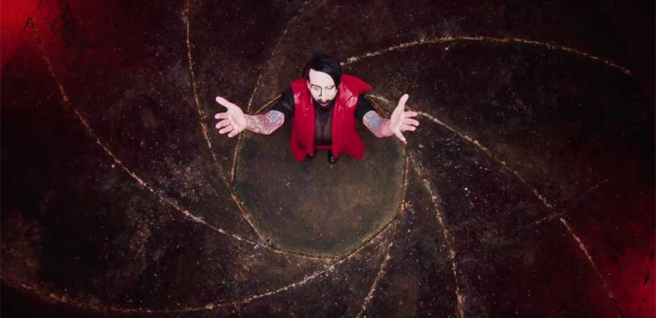 ¡Orgías time! Marilyn Manson estrena video para 'KILL4ME' con Johnny Deep