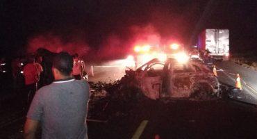 Accidente en carretera Acapulco-Zihuatanejo deja al menos 10 muertos