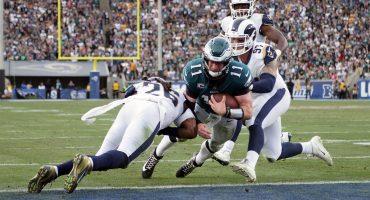 Sigue maldita la NFL: Ahora Carson Wentz quedó fuera toda la temporada