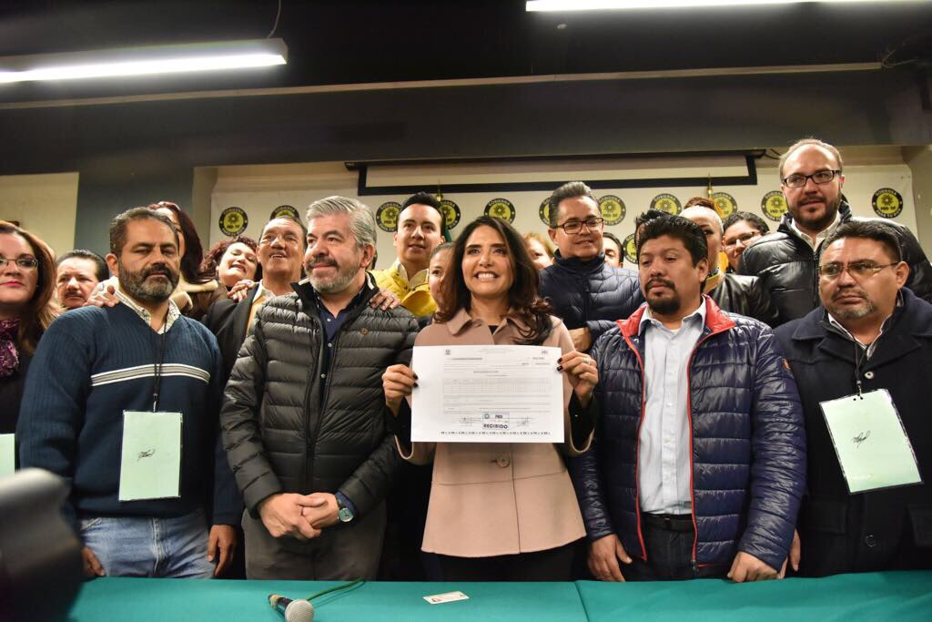 Registro de Alejandra Barrales como precandidata a la CDMX