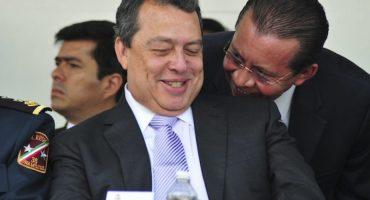 Con protestas, Ángel Aguirre inicia precampaña:
