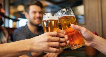 ¡El trabajo perfecto! Científicos buscan voluntarios para tomar cerveza durante 56 días