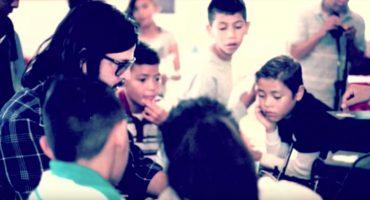 The Chamanas y Jay de la Cueva graban villancico con los Niños de Hogar Bethel 