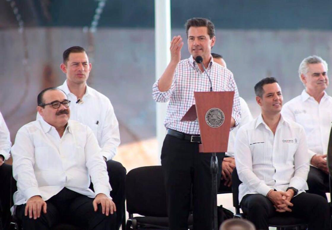 Enrique Peña Nieto y Alejandro Murat