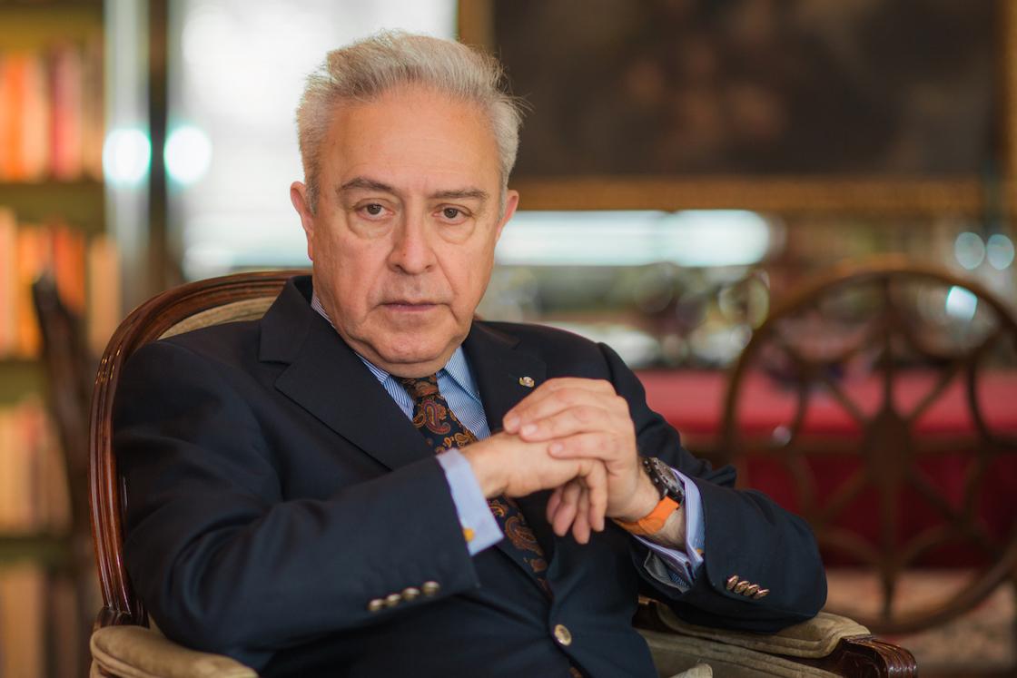 Héctor Vasconcelos, miembro de Morena