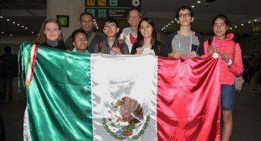 Jóvenes mexicanos ganan oro en olimpiada de matemáticas de Argentina