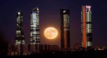 ¡Así es como se ve la Superluna en diferentes partes del mundo!