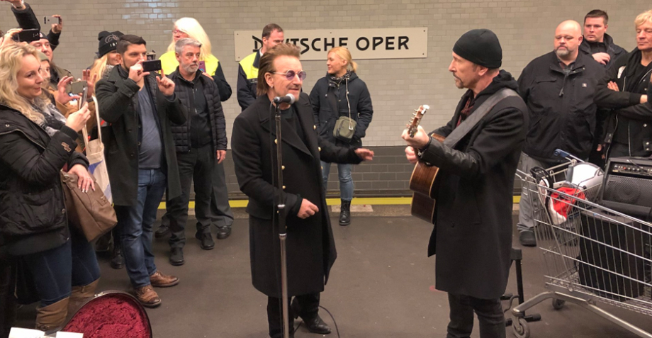 Sunday Bloody Sunday! U2 dio un mini concierto en el metro de Berlín