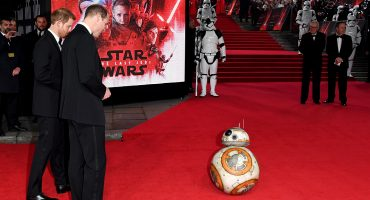 En una galaxia muy, muy lejana los príncipes Harry y William fueron parte de Star Wars