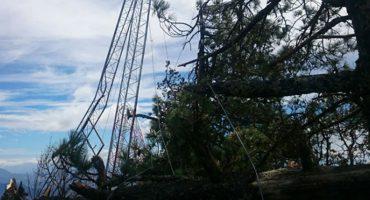El viento tira una torre del Sistema de Alerta Sísmica en Oaxaca