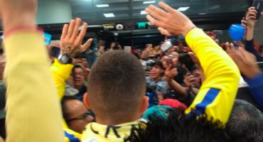 Jérémy Ménez ya está en la Ciudad de México, chequen la locura en el aeropuerto