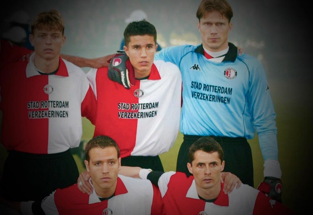 De regreso a casa, Robin Van Persie jugará para el Feyenoord