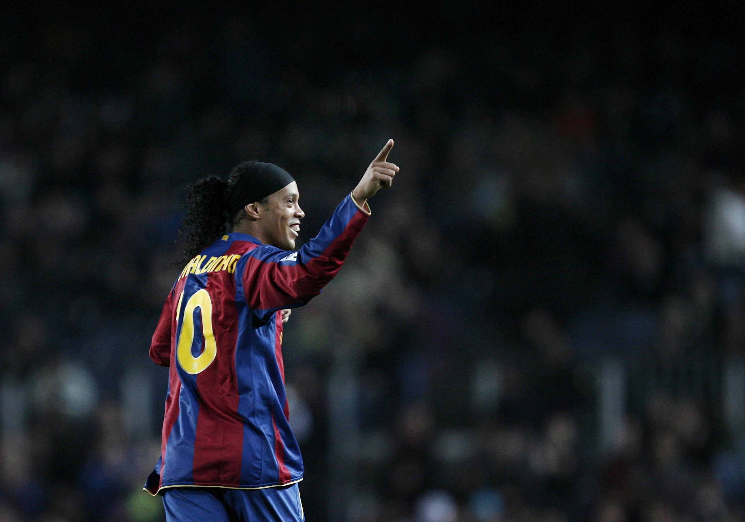 ¡VOTA! ¿Quién ha sido el mejor jugador brasileño en la historia del Barcelona?