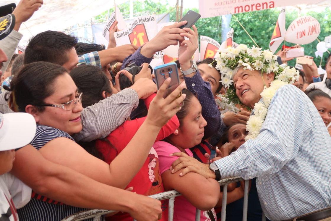 """Andrés Manuel López Obrador, precandidato presidencial de la coalición """"Juntos Haremos Historia"""""""