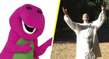 Barney es un dinosaurio que dirige un negocio de sexo tántrico (literal)