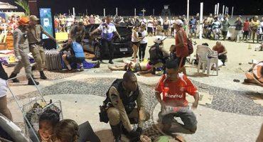 Peatones en playa de Copacabana son arrollados por auto, al menos 15 heridos