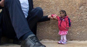 Aunque usted no lo crea... El hombre más alto del mundo conoció a la mujer más pequeña del mundo