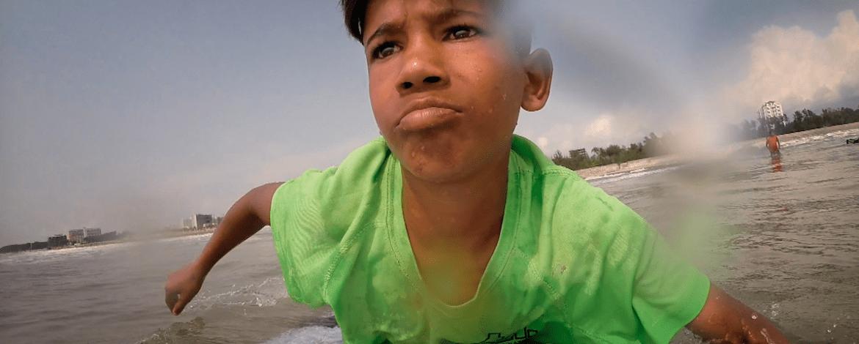 Niños en la ruta de la seda: la vida es una playa