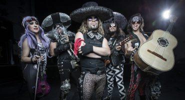 Conoce a la banda (tal vez única) que combina el mariachi con el heavy metal