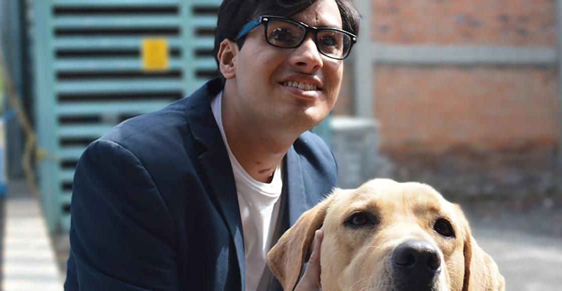 Le negaron el acceso en un restaurante de Acoxpa por llevar a su perro guía