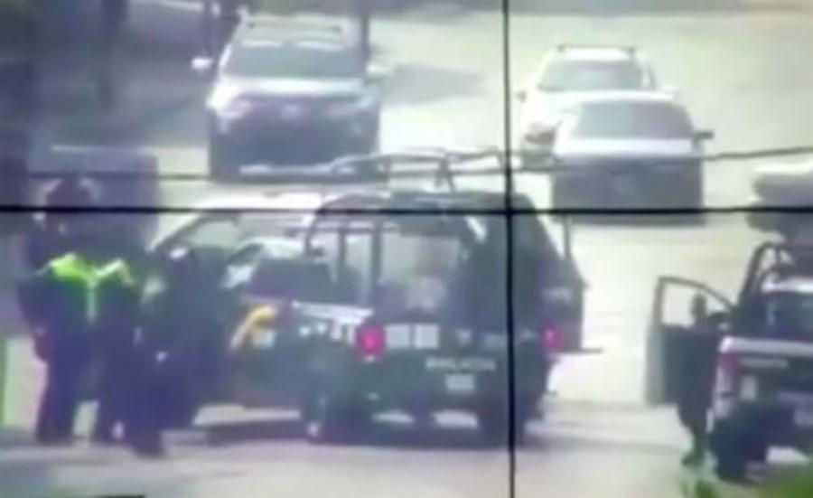 Detención de policía de la SSP por elementos mexiquenses