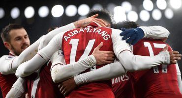 Los refuerzos brillaron en goleada del Arsenal, Ramsey destacó con un hat trick